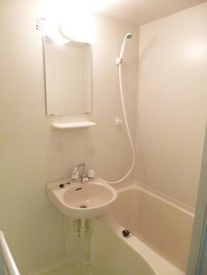 バスルーム♪(※同タイプ402号室写真)