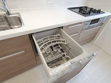キッチン 家事にかかる時間を短縮!食洗機付きの大型オープンキッチン。