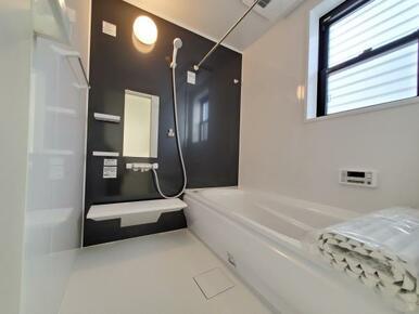 浴室 ゆったりくつろげる1.0坪のユニットバス♪