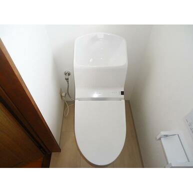 新品トイレ(1階)