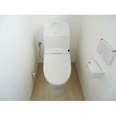新品トイレ(2階)