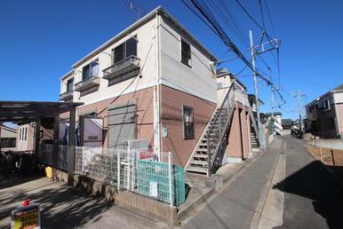 弘明寺駅、井土ヶ谷駅2駅利用可能。