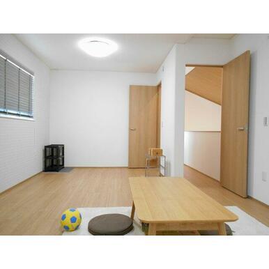 2階12帖洋室。扉を2つはいちしてあり、将来2部屋にもできます!