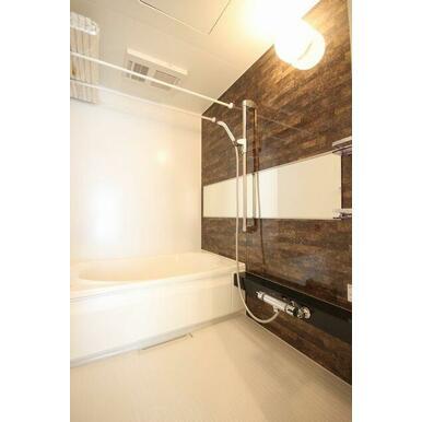 ◆浴室◆浴室乾燥機+シャワースライドバー+ワイドミラー設置!