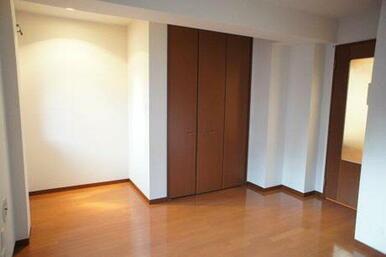 【洋室】床はフローリング仕様です☆