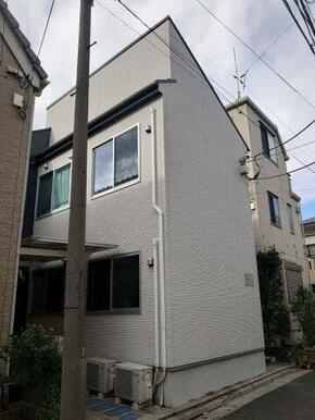 平成30年築の売りアパートです。