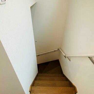 リビング階段ですが扉があり冷暖房の効きも心配ありません!