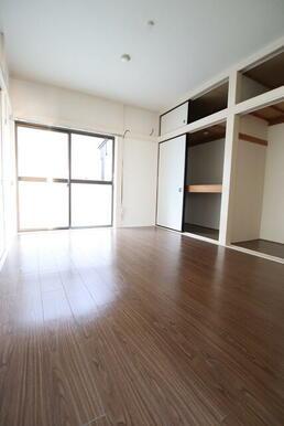 収納豊富でお部屋を広く使えます♪