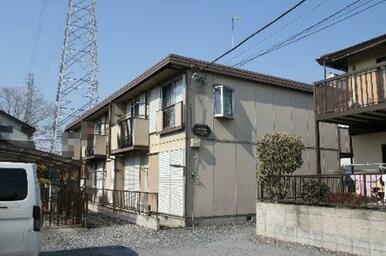 積水ハウス施工軽量鉄骨造2階建です♪地震がきても安心な構造になっています☆