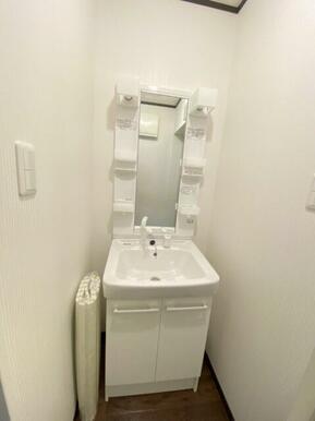 ☆シャワーヘッド付き洗面台☆