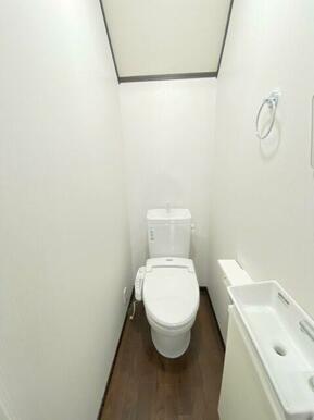☆収納部分もある便利なトイレ☆
