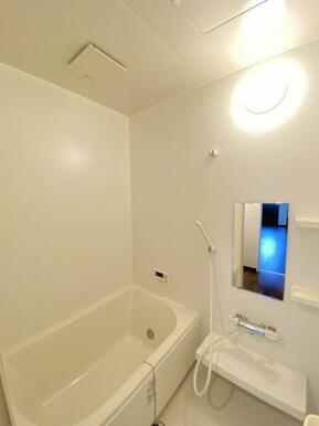 ☆シャンプー置場付きの浴室☆
