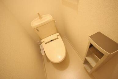◆トイレ◆洗浄便座付きトイレです。
