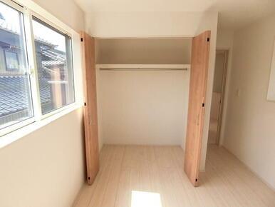 2階 洋室6帖 収納