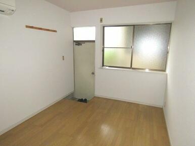 6畳ほどの洋室