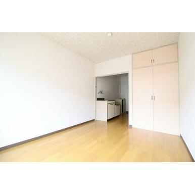 洋室のスペースも1人暮らしにはちょうど良さそうな大きさ(^^)