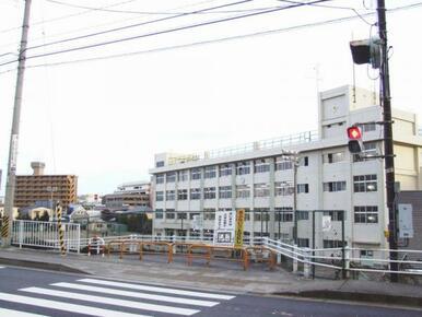 鹿野小学校まで徒歩12分(886m)