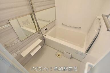 浴室には追い焚き・乾気乾燥機付なので、雨の日のお洗濯物にも困りません(^▽^)/