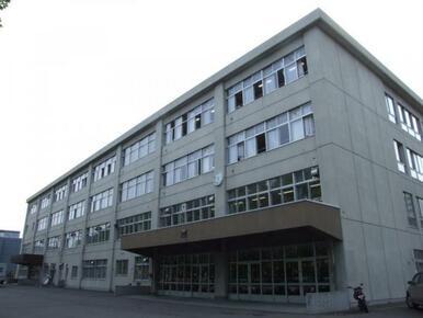 陵陽中学校