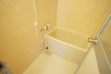 シャワー付バスルームです。