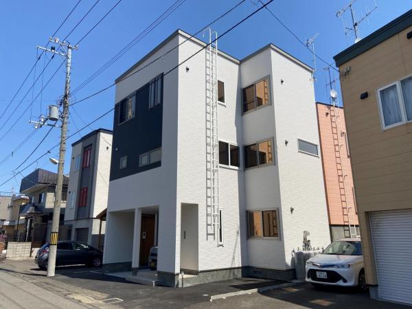 札幌市南区 南三十六条西10丁目 (澄川駅) 3階建 4LDK