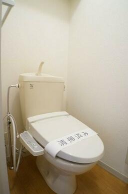 トイレにはあると便利なシャワートイレ付き♪