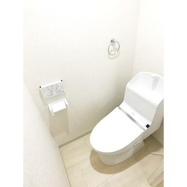 「トイレ」新品交換済みです