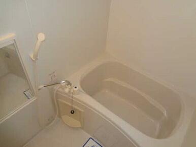 バストイレ別でゆったりお風呂タイム