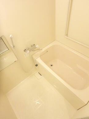 浴室乾燥機のある浴室
