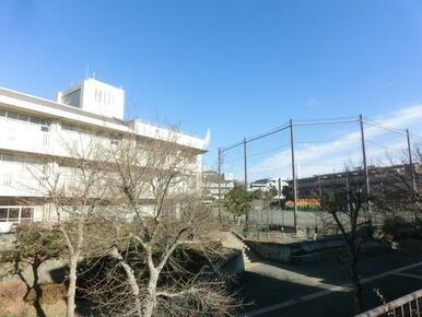 横浜市立つづきの丘小学校