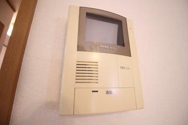 来訪者の顔を確認できるTVモニター付インターホン