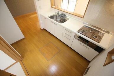 ゆとりあるキッチンスペースなので調理も捗ります