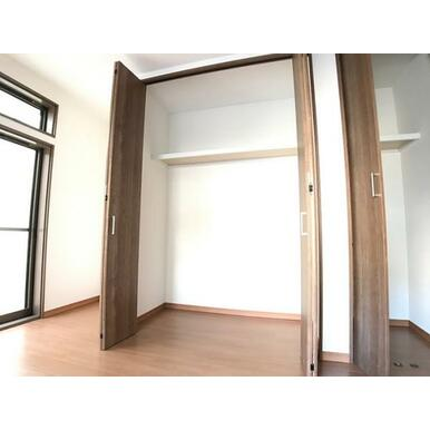 「1階南側洋室」クローゼット