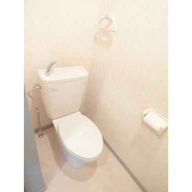 ★独立タイプのトイレです★