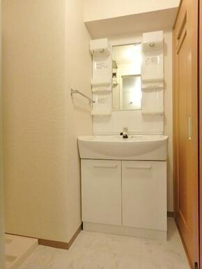 便利な独立洗面化粧台