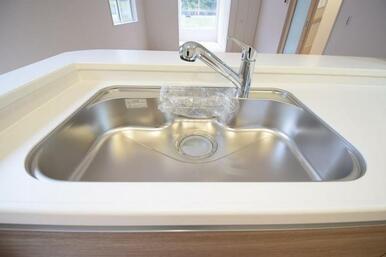 浄水機能付きでいつでも手軽にきれいなお水が飲めます!