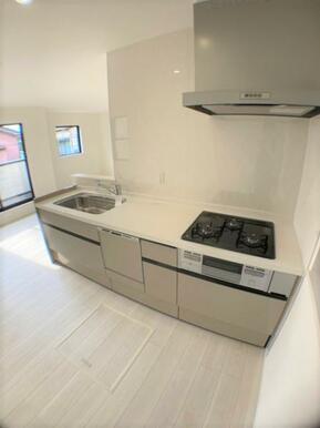 【キッチン】 お料理するのが楽しくなる!最新の設備が整ったキッチン!