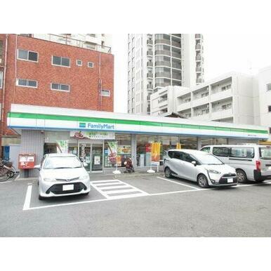 ファミリーマート湘南台文化センター前店