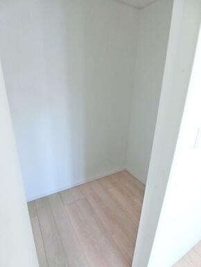 2階洋室6帖 収納