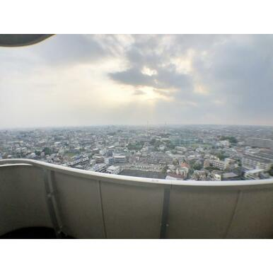 【バルコニー】21階からの眺望は良好です!