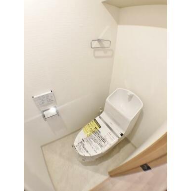 【トイレ】 リフォーム済につき綺麗です♪