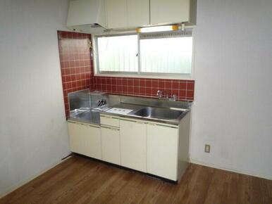 キッチンに窓あり
