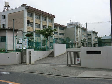川崎市立犬蔵中学校