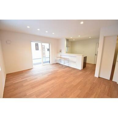 家具の配置のしやすい形状のリビング