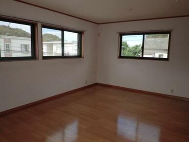 2階 洋室2