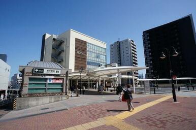 「東中野」駅前の様子♪「アトレ」等の商業施設が建ち並びます♪