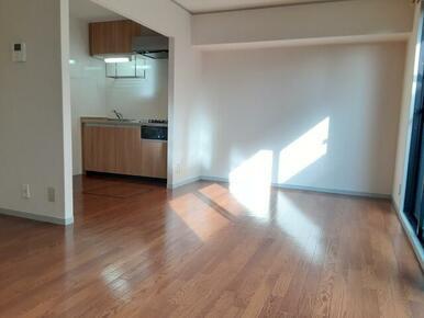 1階・広めのキッチン付のリビング★