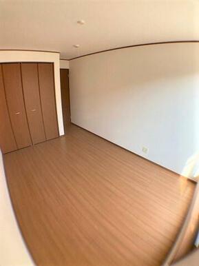 【洋室】各部屋収納付き♪