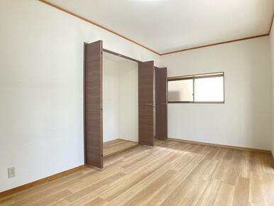 1階約7.5帖洋室 別角度