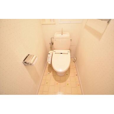【トイレ】ウォシュレット機能付きトイレ